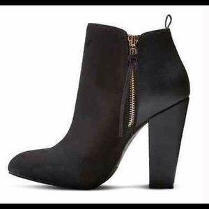EUC‼️ Mossimo Avie Ankle Bootie, black